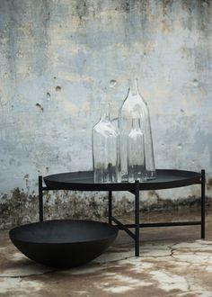 svärtan_ikea_black_table