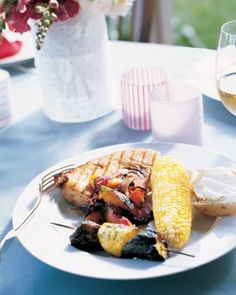 Grilled Swordfish with Nectarine-Onion Salsa - This quick fish dish takes hardly more effort than a turn on the grill, and keeps the heat of summer out of the kitchen. Grilling Recipes, Seafood Recipes, Dinner Recipes, Cooking Recipes, Healthy Recipes, Fish Recipes, Grilling Ideas, Potluck Recipes, Entree Recipes