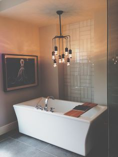 Bathroom Tub & Lights