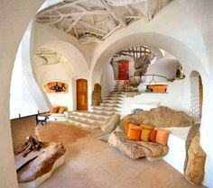 Rooms shaped liked caves