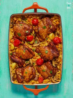 One Pot Mediterranean Chicken Orzo - Pinch Of Nom - This hearty One Pot Mediterranean Chicken Orzo is a great slimming-friendly meal if you're counti - Orzo Recipes, Greek Recipes, Vegetable Recipes, Dinner Recipes, Meal Recipes, Holiday Recipes, Slimming World Chicken Recipes, Slimming World Recipes Syn Free, One Pot Meals