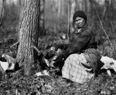 """Maple Syrup -- A Sweet Lesson from The First Nations http://wp.me/p3XHbp-pC """"Sinzibuckwud' is the Algonquin name for maple syrup. The literal translation is """"drawn from the wood"""". http://www.gwentuinman.com #maplesyrup #FirstNations"""