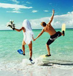 Fun Wedding picture idea - scuba fins
