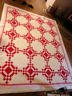 Beautiful classic quilt. I LOVE LOVE the two color scheme. Definitely doing this quilt!!