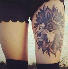 It's so detailed and colourful another thigh tattoo I wish I could have!!