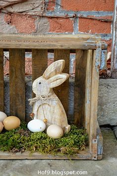 easter-decoration-nature-wooden-eggs-clay-jugs-clay-pots-diy-wooden-eggs-easter-decoration/ delivers online tools that help you to stay in control of your personal information and protect your online privacy. Wooden Crafts, Wooden Diy, Diy And Crafts, Diy Wood, Decoration Restaurant, Old Wooden Boxes, Diy Easter Decorations, Diy Décoration, Basket Decoration