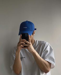 Stylish Mens Outfits, Cool Outfits, Casual Outfits, Baseball Cap Outfit, Korean Fashion Men, Photography Poses For Men, Mens Clothing Styles, Swagg, Vintage Outfits