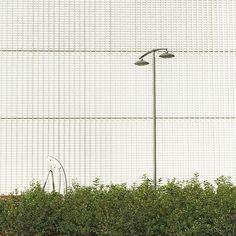 Right There Behind #minimal #minimalmood #rsa_minimal #architecture #architectureminimal #geometries #igersmilano #igerslombardia #igersitalia #snapseed