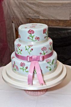 Hand-painted #wedding cake ideas: http://www.weddingandweddingflowers.co.uk/article/1183/hand-painted-wedding-cake-ideas