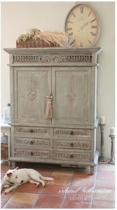6 Harmonious Simple Ideas: Shabby Chic White Soft Colors shabby chic home ana rosa.Shabby Chic Diy Ikea shabby chic home ana rosa. Shabby Chic Kitchen, Shabby Chic Homes, Kitchen Decor, Kitchen Dining, Kitchen Tables, Kitchen Ideas, Paint Furniture, Furniture Makeover, Bedroom Furniture