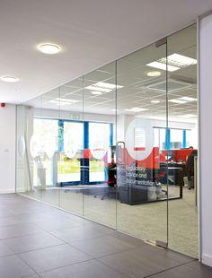 Frameless glass office partitions Glass Office Partitions, Glass Partition Wall, Partition Ideas, Glass Wall Design, Window Design, Office Interior Design, Office Interiors, Office Dividers, Startup Office