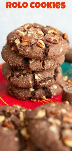 This Christmas cookie is so easy to make and super delicious. These Rolo Cookies are a must make - The Kitchen Magpie This Christmas cookie is so easy to make and super delicious. These Rolo Cookies are a must make - The Kitchen Magpie Easy Desserts, Delicious Desserts, Dessert Recipes, Yummy Food, Cookie Desserts, Baking Recipes, Amazing Cookie Recipes, Unique Recipes, Easy Recipes