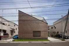 大船の住宅01 ↓間取り見れる http://freshome.com/2013/08/12/japanese-architecture-with-a-playful-dimension-house-in-ofuna/
