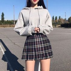 Cute Korean outfits must be in your wardrobe because they are classy, casual and perfect for winter and summer. They are very similar to grunge outfits so Korean fashion is perfect for you. Korean Fashion Styles, Korean Girl Fashion, Ulzzang Fashion, Cute Fashion, Fashion Models, Ulzzang Style, Kawaii Fashion, Ulzzang Girl, Trendy Fashion