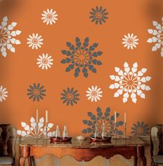 Flower stencils can be used to paint an attractive room border, a chair rail height border as part of a larger decor, in a child's room, or to accent a craft project. Painting Stripes On Walls, Painting Textured Walls, Stencil Painting On Walls, Diy Wall Painting, Diy Wall Art, Stenciling, Creative Wall Painting, Painted Floors, Cool Walls