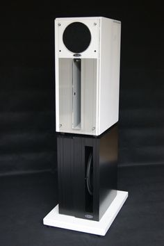 Hand crafted horn speakers by Intimate Audio Open Baffle Speakers, Pro Audio Speakers, Horn Speakers, Diy Speakers, Loudspeaker, Audio System, Audiophile, Channel, Cinema