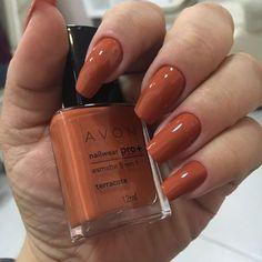 Discover the 10 most popular nail polish colors of all time! - My Nails Avon Nail Polish, Avon Nails, Gel Nails, Acrylic Nails, Manicures, Gel Polish, Nagel Gel, Super Nails, Perfect Nails