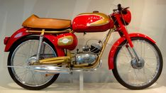 1959 Atala Freccia d'Oro ('Golden Arrow'), using a distinctive twistgrip shifter (like a scooter). Atala had been making motorcycles since 1923.