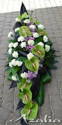 Frente Casket Flowers, Grave Flowers, Funeral Flowers, Table Flowers, Flower Shop Decor, Flower Decorations, Deco Floral, Arte Floral, Ikebana