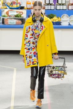 CHANEL - fashion alert - more on http://www.agoprime.it/fashion-alert-yellow-is-the-new-black/