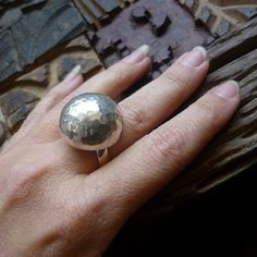 Sterling silver hammered statement cocktail ball ring. on Etsy, 637,68 kr