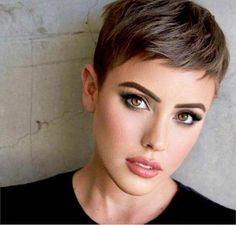 The hottest hair color trends - Haare und Beauty - cheveux Cute Haircuts, Short Pixie Haircuts, New Haircuts, Very Short Pixie Cuts, Short Female Hairstyles, Short Short Hair, Thick Hair Pixie Cut, Straight Hairstyles, Pixie Haircut For Round Faces