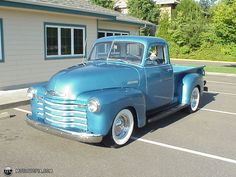 """1950 Chevrolet Pickup with """"just married"""" on the back"""