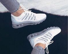 Sapatos Masculinos, Sapatilhas, Moda Sneakers, Tênis Nike, Tennis Chanel, Sapatilhas Valentino, Sapatos Fashion, Tênis Para Mulheres, Tênis Nike Barato