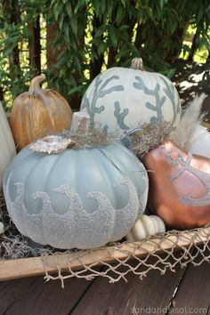 Coastal Fall Pumpkins via @- SAND - and Sisal0 my answer to decorating my house at Halloween!