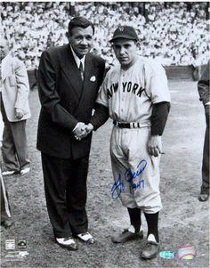 Yogi Berra New York Yankees with Babe Ruth Autographed MLB Baseball x Photo Go Yankees, New York Yankees Baseball, Babe Ruth, Ruth 1, Yogi Isms, Equipo Milwaukee Brewers, Swing, Star Wars, American League