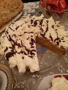 Κέικ με μήλο και καρότο Cookies, Desserts, Food, Crack Crackers, Tailgate Desserts, Deserts, Biscuits, Essen, Postres