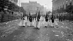 Los Gitanos en la Avenida. Josef Koudelka. Magnum fotos.
