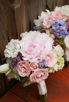 Soft and sweet wedding bouquet. Hostess with the Mostess