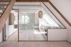 Vorhang holzboden weiss lack balken schrankwand modern alkoven kinderzimmer ausblick - Spiegel sprossenfenster ...
