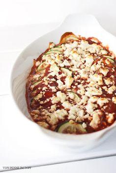 Zucchini könnte ich rauf und runter essen. Manchmal muss ich mich wirklich etwas bremsen, damit mein Speiseplan nicht nur noch aus Zucchini-Gerichten besteht. Man könnte ja glauben, dass mir Zucchini