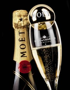 Always keep a bottle of Champagne in the fridge for special occasions. Sometimes the special occasion is the fact you've got a bottle of Champagne in the fridge! Champagne Moet, Champagne Bottles, Four Loko, Moet Chandon, Le Croissant, Reims, Sparkling Wine, Whisky, Alcohol