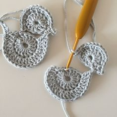 Dragon Knot on Marque-pages Au Crochet, Crochet Bolero Pattern, Crochet Butterfly Pattern, Crochet Applique Patterns Free, Easter Crochet Patterns, Crochet Birds, Crochet Amigurumi, Crochet Motifs, Crochet Bunny