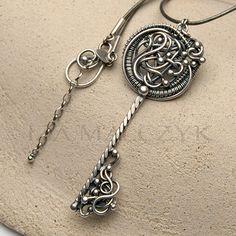 Iza Malczyk Autorska biżuteria srebrna Galeria artystyczna   Gallery of artisan silver jewellery