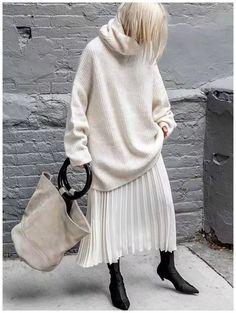 50 Ideas Winter White Outfit to Look Fresh 27 1 Estilo Fashion, Fashion Mode, Look Fashion, Fashion News, Winter Fashion, Street Fashion, Womens Fashion, Fashion Trends, Fashion Black