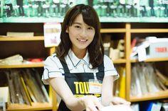欅坂46 守屋茜がキュンキュンした本を書店員に扮してあなたに届けます!欅坂46の書店「欅坂書店」いよいよ開店! - otoCoto