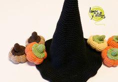 Sombrero Bruja para Amigurumis - Patrón Gratis en Español y con Videotutorial aquí: http://lanasyovillos.com/accesorios/sombrero_bruja