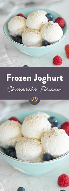 So cremig wie Cheesecake, so lecker wie Käsekuchen und on top - knusprige Butterkekse. Ein ganz besonderes Frozen-Joghurt-Rezept.