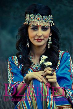 : Photo Algerian Kabyle lady in berber costume Traditional Fashion, Traditional Dresses, Estilo Hippie, Beauty Around The World, Tribal People, Purple Love, Folk, People Around The World, Beautiful People