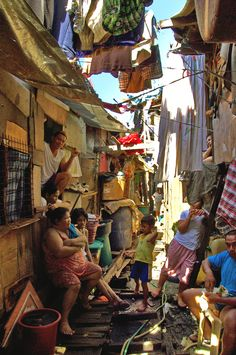 The Manila suburbs in Philippines. Philippines Culture, Manila Philippines, Favelas Brazil, Street Photography, Landscape Photography, Filipino Culture, Chinese Culture, Outdoor Movie Nights, City Aesthetic