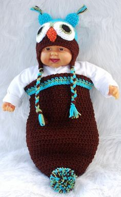 Turquoise/Brown Owl Cocoon and Hat Crochet Baby Cocoon, Crochet Kids Hats, Crochet Bebe, Crochet Baby Clothes, Baby Blanket Crochet, Crochet Hooks, Knit Crochet, Owl Baby Blankets, Kids Blankets