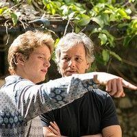 Marcello Novaes encarna o 'pai coruja' com o filho Pedro em gravação de 'Sol Nascente'