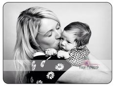Families. New mum and son. Rhian Pieniazek Photography.