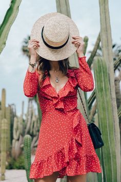 Realisation_Par_Dress-Star_Print-Red_Dress-Outfit-Catonier-Hat-Lack_Of_Color-Black_Sandals_Topshop-Barcelona-Collage_Vintage-Mossen_Gardens-64 Chanel lipstick Giveaway