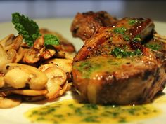 Lamb+Chops+with+Mint+Sauce+&+Mushrooms