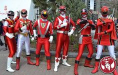 """"""" Forever Red at the Calgary Expo! #powerrangers #cosplay#foreverred #calgaryexpo#calgaryexpo2016 #yyc """"Pink"""